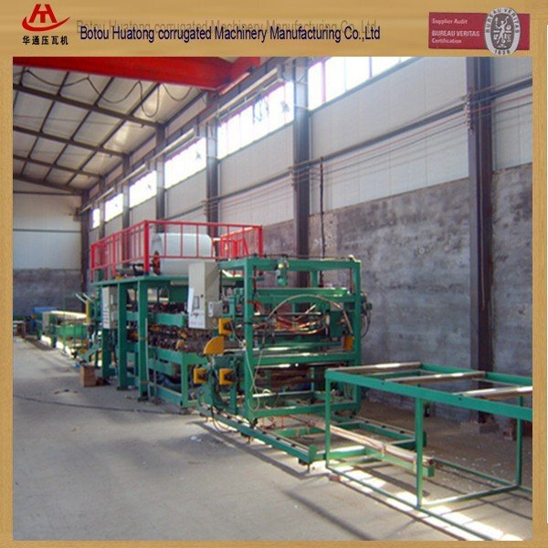 Building color steel roof and wall sandwitch panel making machine line